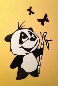 Un autocollant mural panda réalisé à la découpe vinyle.